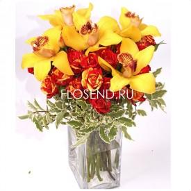 Букет с орхидеями и розами